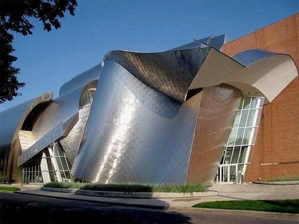 Frank Gehry: Biblioteca Peter B Lewis