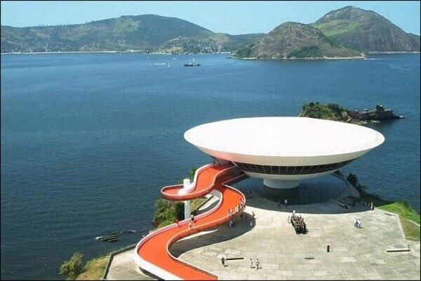 Oscar Niemeyer: Museu de Arte Contemporânea (vista de cima)
