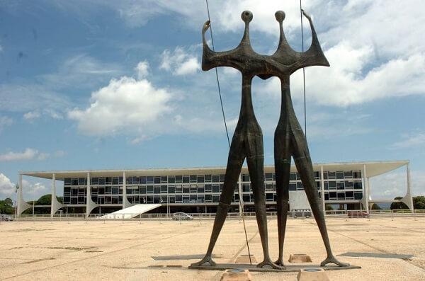 Oscar Niemeyer: Praça dos Três Poderes