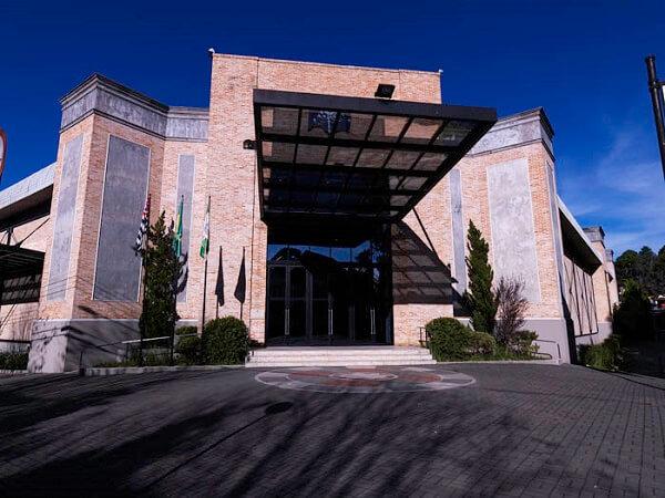Paulo Mendes da Rocha: Centro Cultural de Convenções de Campos do Jordão