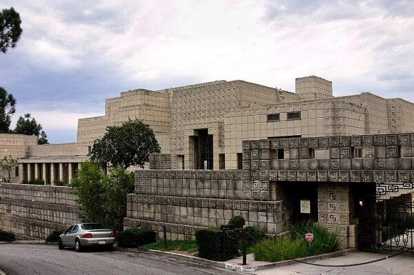Obras de Frank Lloyd Wright: Ennis House (entrada)