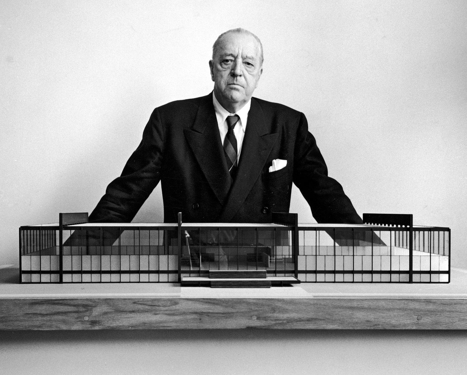 Resultado de imagem para Ludwig Mies van der Rohe,