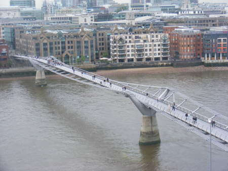 Norman Foster: Millenium Bridge
