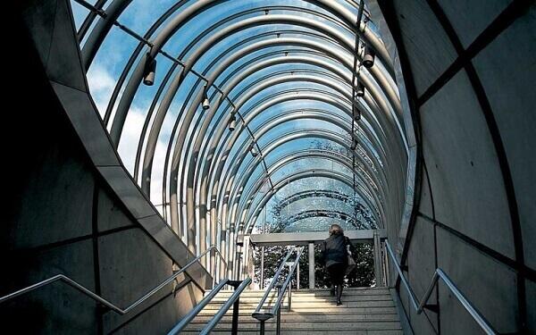 Norman Foster: metrô de Bilbao (escadas)