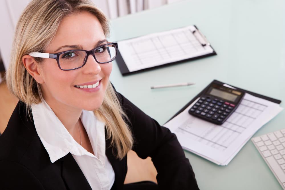 Como montar um escritório de arquitetura: tenha um contador