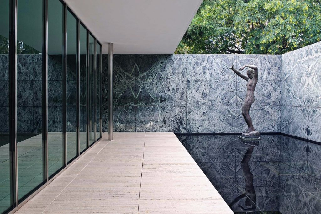 mies-van-der-rohe-pavilhao-alemao-estatua