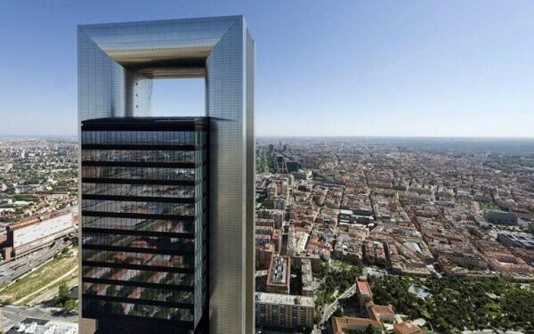 Norman Foster: Torre Caja Madrid de cima