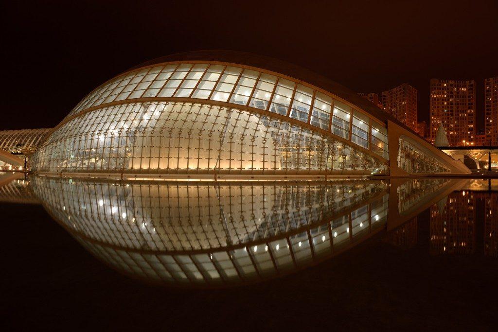 santiago-calatrava-hemisferic-noite