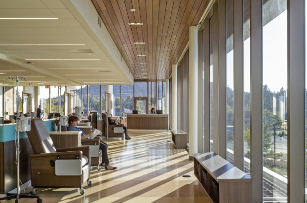 arquitetura-hospitalar-St-Charles-Bend-Cancer-Center-1