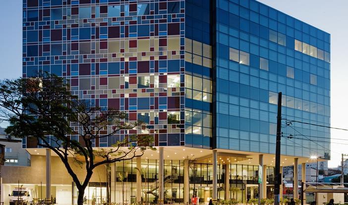 Arquitetura hospitalar: Fachada do Hospital Israelita Albert Einstein, unidade Perdizes