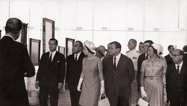 MASP: Rainha Elizabeth na inauguração do museu