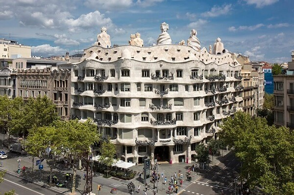 Antoni Gaudí: Casa Milà