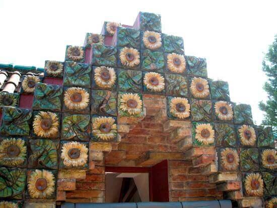 Antoni Gaudí: El Capricho – detalhes