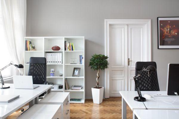 cores-na-arquitetura-escritorio-cinza