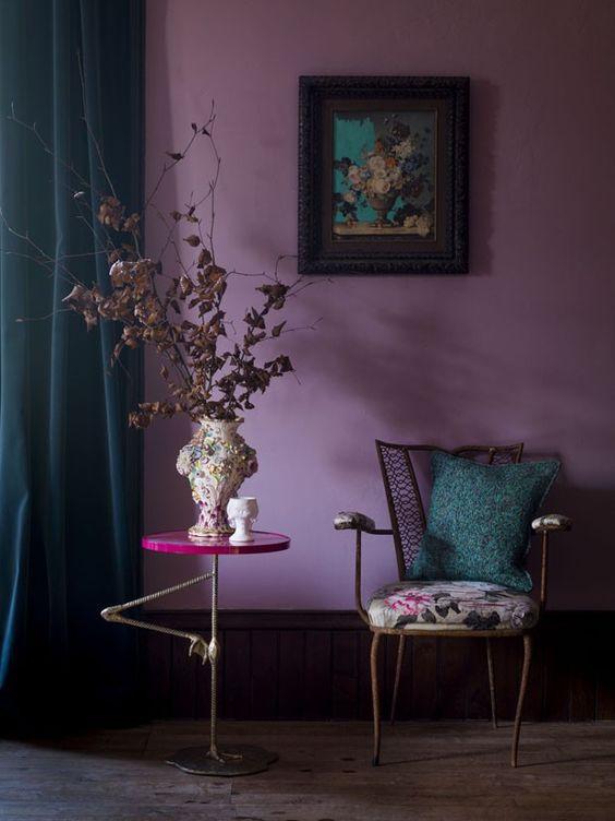 cores-na-arquitetura-hall-violeta