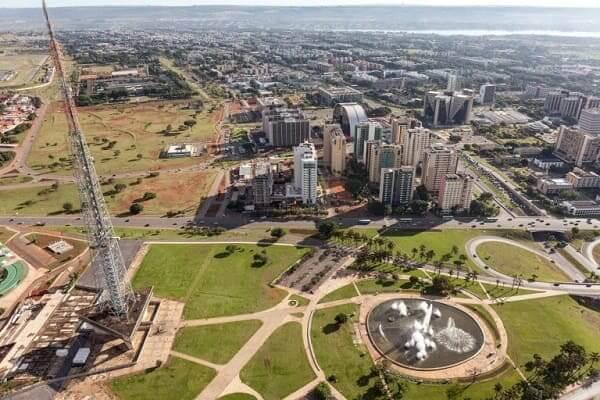 Lúcio Costa: Torre de TV de Brasília e fonte