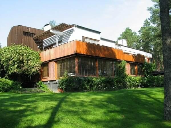 Alvar Aalto: Villa Mairea - Lateral