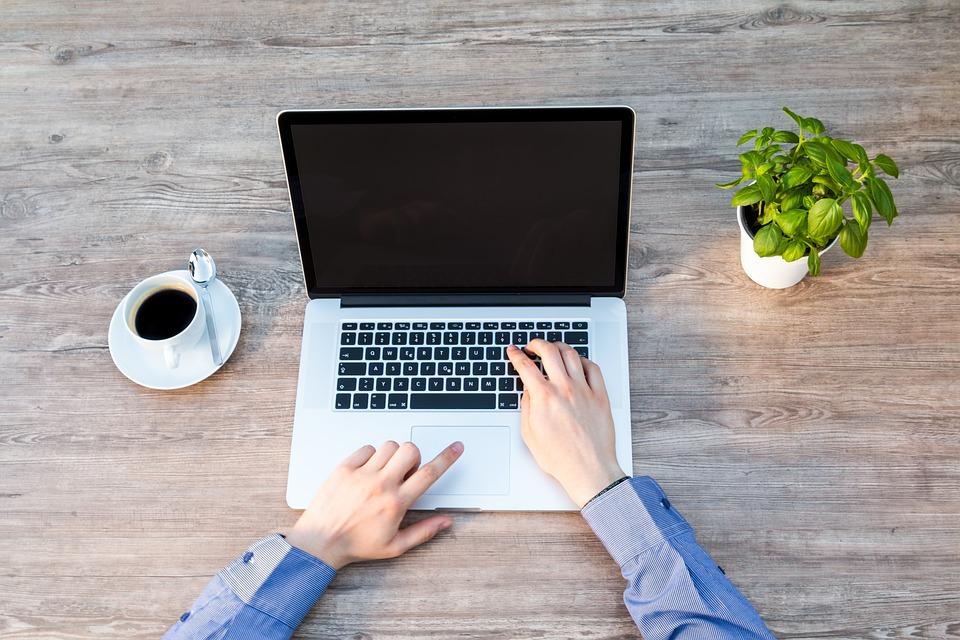 notebook-para-arquitetos-mesa-de-trabalho