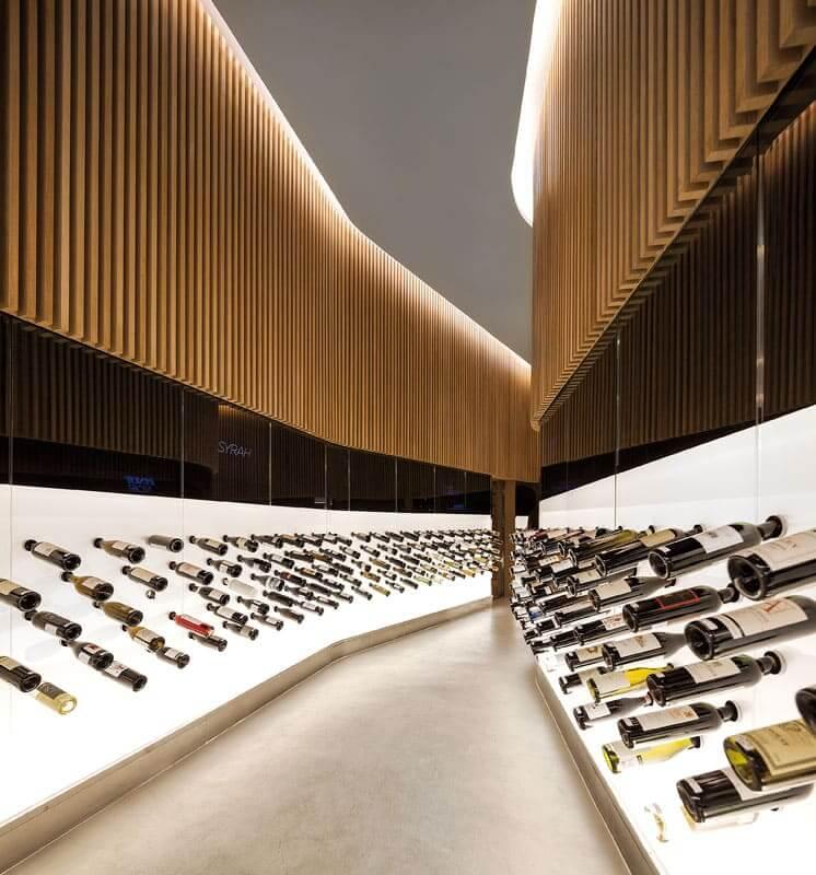 Arthur Casas: Loja Mistral