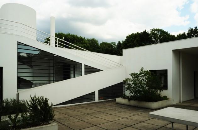cinco-pontos-da-arquitetura-moderna-de-le-corbusier-vila-savoye-acesso-terraco