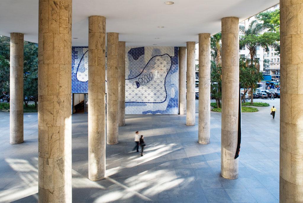 cinco-puntos-de-arquitectura-moderna-de-le-corbusier-palacio-capanema-pilotis