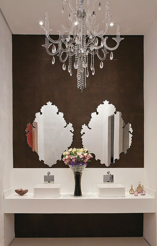 iluminacao-ideal-para-banheiro-lustre-de-cristal
