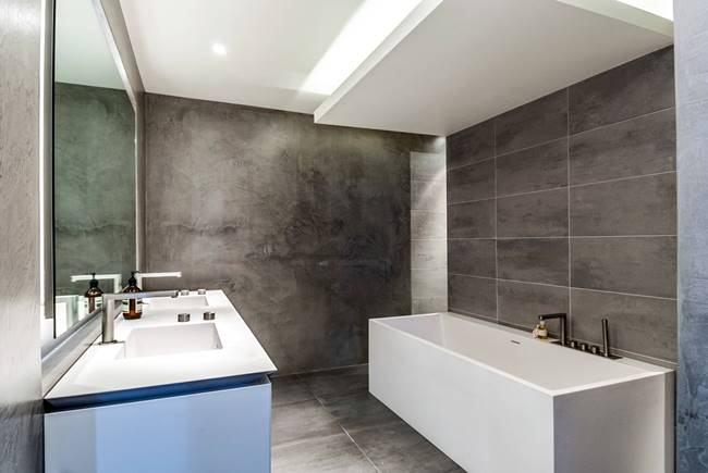 iluminacao-ideal-para-banheiro-sanca-e-banheira