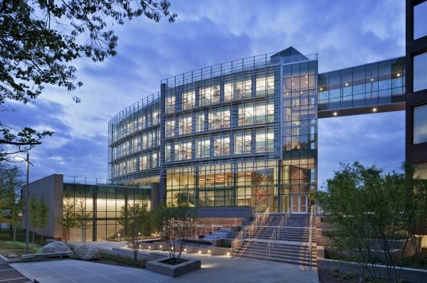 melhores-escritorios-de-arquitetura-perkins-eastman-stony-brook-university-simons-center