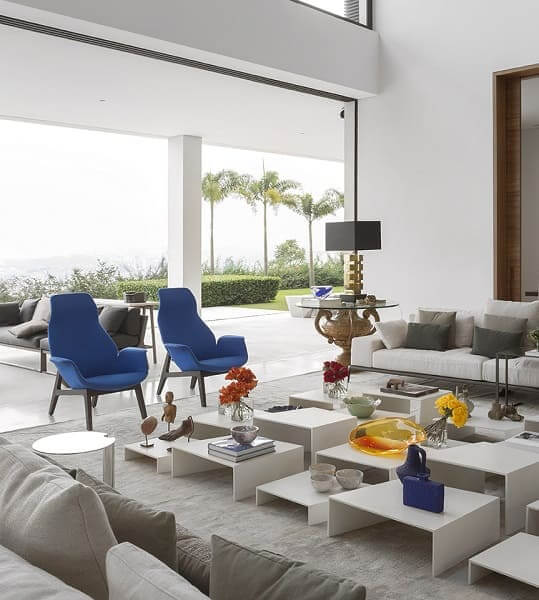 Fernanda Marques: residência Jaraguá - poltrona azul