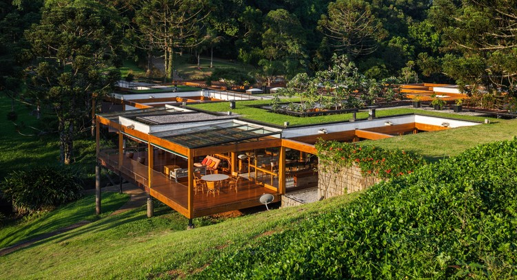 fgmf-arquitetos-casa-grelha-integracao-natureza