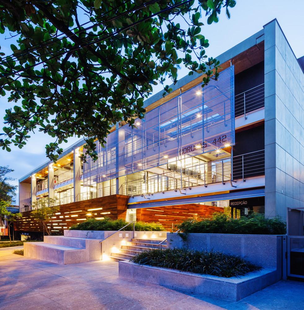 fgmf-arquitetos-edificio-corujas-fachada