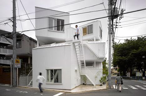 sou-fujimoto-apartamento-toquio-escadas