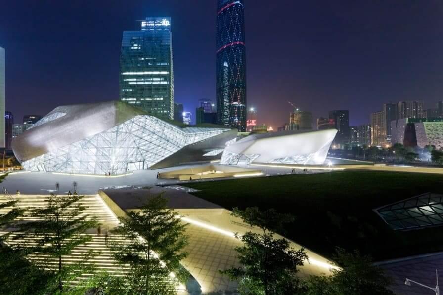 Zaha Hadid: Guangzhou Ópera House visto à noite