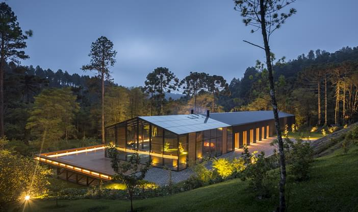 arquitetos-de-sucesso-no-brasil-marcio-kogan-casa-mororo