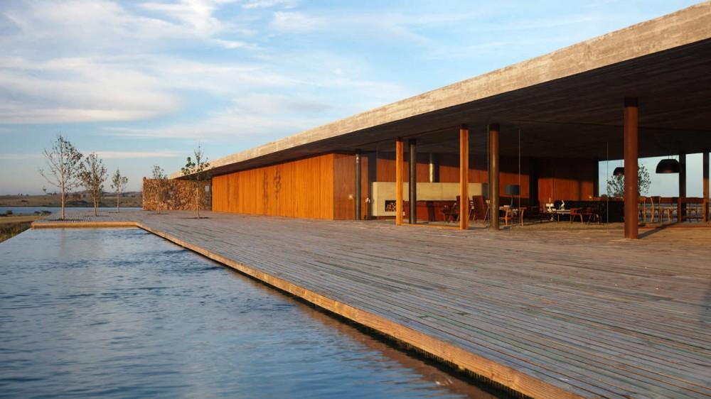 arquitetos-de-sucesso-no-brasil-marcio-kogan-casa-punta