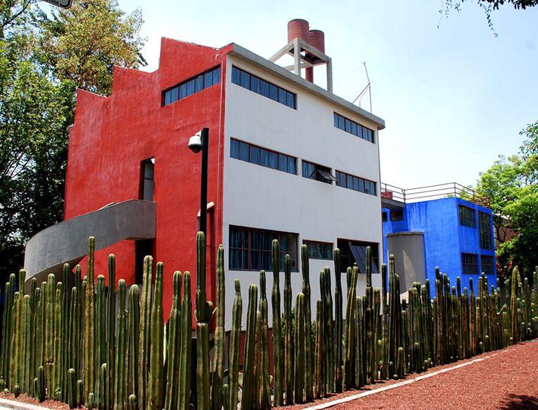 arquitetura-mexicana-casa-museu-frida-kahlo-e-diego-rivera-cactos