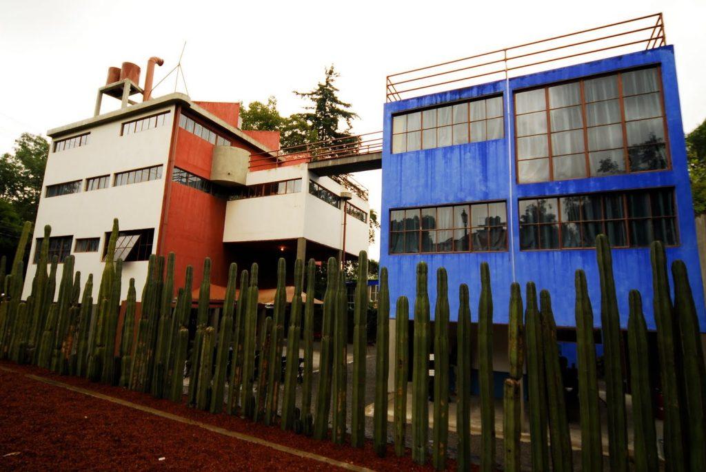 arquitetura-mexicana-casa-museu-frida-kahlo-e-diego-rivera-frente