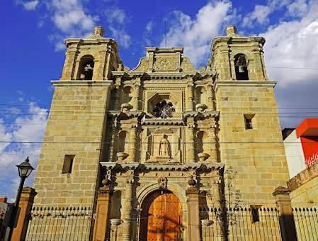 arquitetura-mexicana-san-felipe-neri