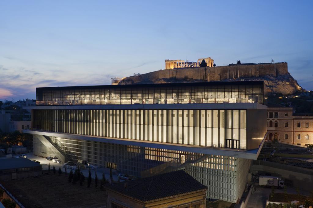 bernard-tschumi-museu-nova-acropole-noite