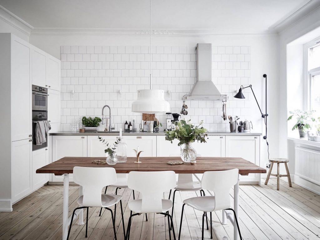 design-escandinavo-cozinha-e-mesa-de-madeira