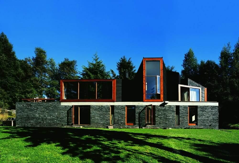 Obras de Alejandro Aravena: Casa Pirihueico – frente