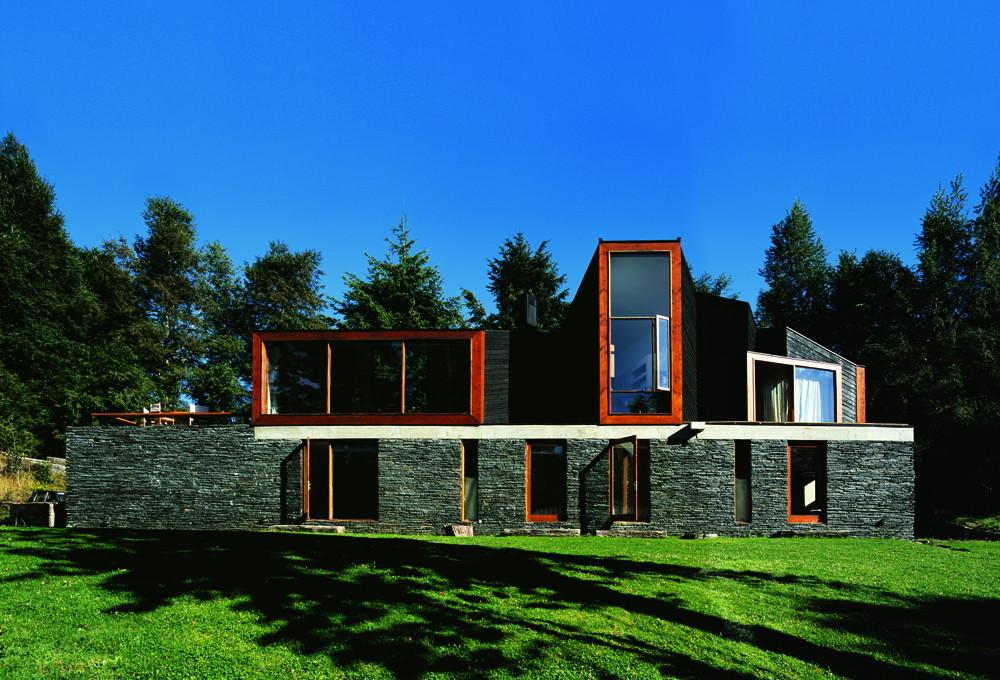 obras de alejandro aravena: casa pirihueico - frente