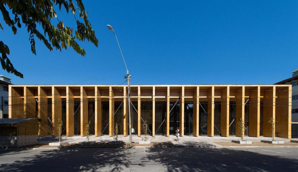 obras de alejandro aravena: constitución cultural center - fachada