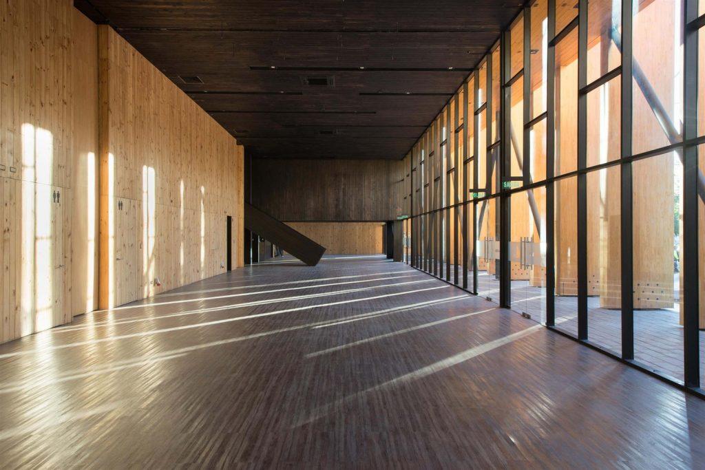 obras de alejandro aravena: constitución cultural center - interior