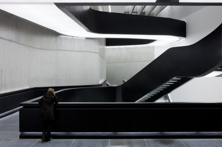 patrik-schumacher-maxxi-center-interior