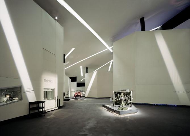 daniel-libeskind-imperial-war-museum-interior