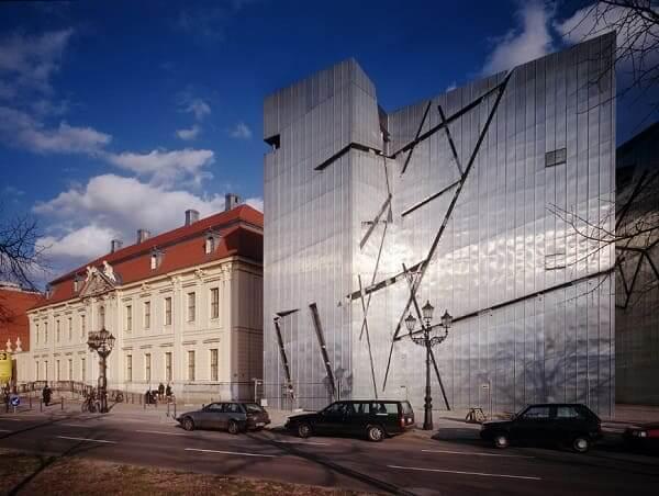 Daniel Libeskind: Museu Judaico de Berlim - fachada