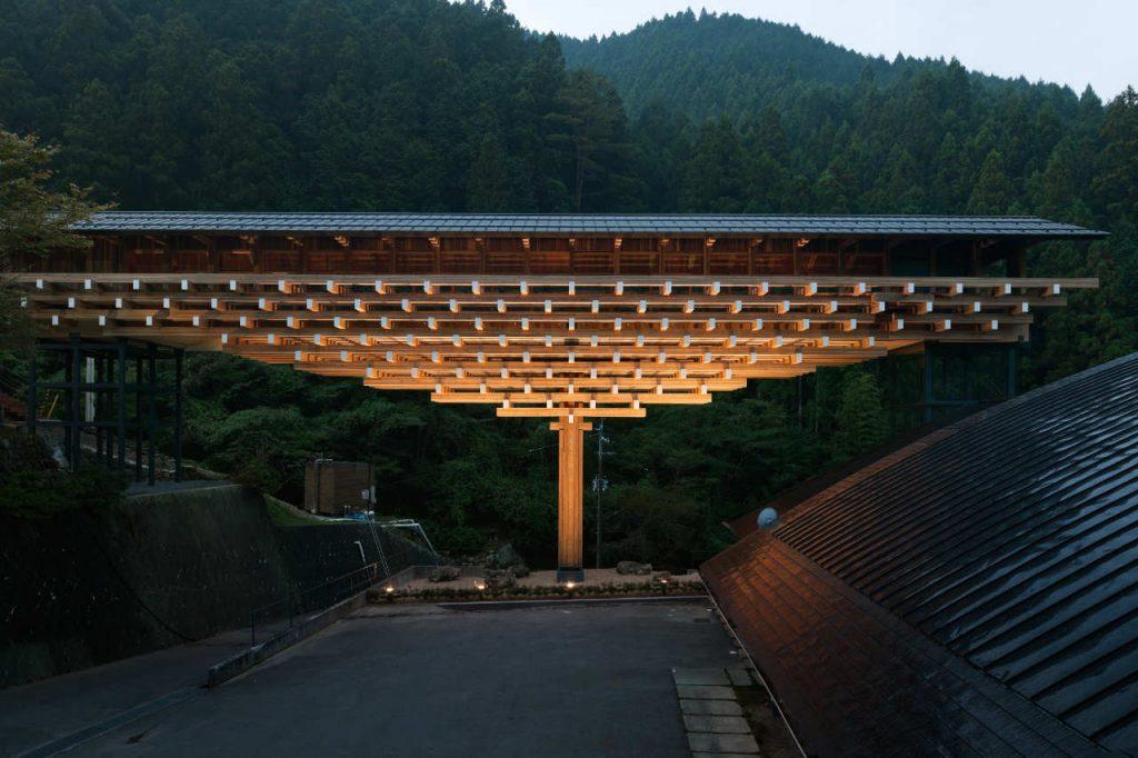 kengo-kuma-yusuhara-wooden-bridge-museum