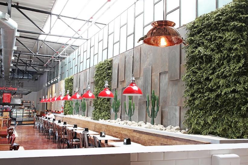 plantas-preservadas-jardim-vertical-preservado-no-restaurante