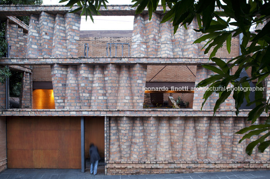 solano-benitez-casa-esmeraldina-fachada
